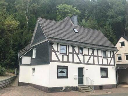 Bad Laasphe - Einfamilienhaus Bad Laasphe OT Volkholz mit zusätzlichem Bauplatz