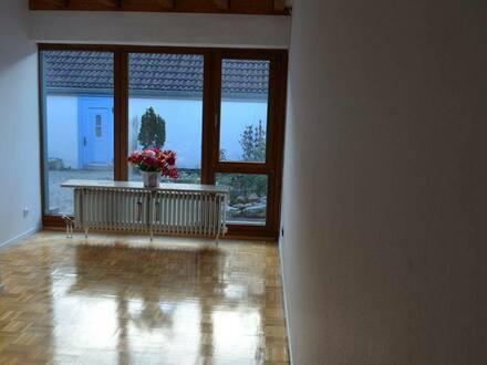 Aachen - Helles Zimmer in 5er Mädels-WG Nähe Klinikum