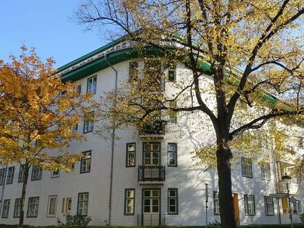 Berlin / Steglitz - 2,2 % Rendite vermietetes Dachgeschoss Nähe Lauenburger Platz