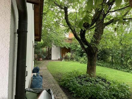 Geltendorf - Freistehendes Einfamilienhaus mit riesigem Grundstück in Randlage