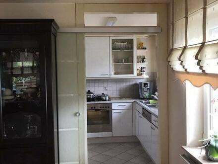 Schönaich - Gepflegte 4-Zimmer-Wohnung mit Balkon und Einbauküche in Schönaich