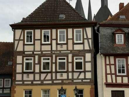 Gelnhausen - Tradition trifft Moderne - gemütliche Wohnung in einzigartiger Lage