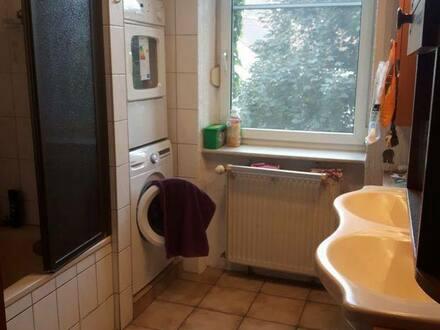 Ludwigshafen - 3-4 Zimmer Altbauwohnung von privat