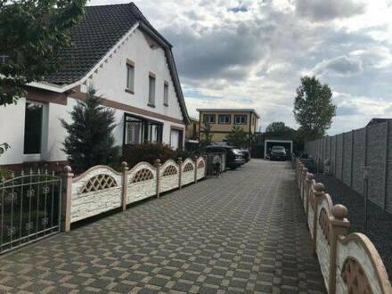 Ludwigslust - Hagenow - Mehrfamilienhaus mit 2 Nebengebäuden