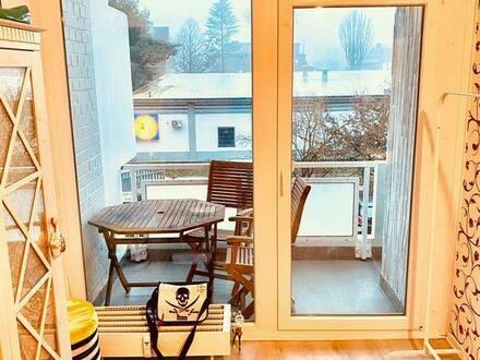 Hamburg-Niendorf - Gepflegte 1-Zimmer-Wohnung mit Balkon und Einbauküche in Hamburg-Niendorf