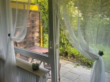 München - Wohnung mit einem großem Garten Süd-Ausrichtung, Möbliert, eigener Eingang