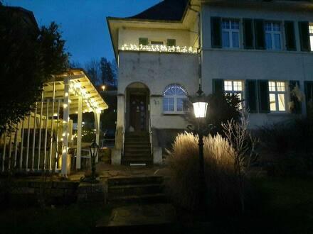Efringen-Kirchen - Großzügige Doppelhaushälfte im Villenstil mit Ausbaureserven
