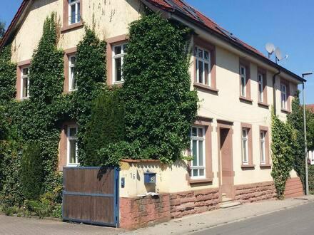 KLEINKARLBACH - Pfalz Weinstr. Landhaus m 3 Wohnungen , Terrassen, Garagen, Innenhof, Garten, Bach u Platz v. privat