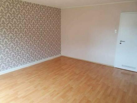 Stuttgart - Schöne, renovierte 2 Zi. Wohnung in Stuttgart für max. 2 Personen