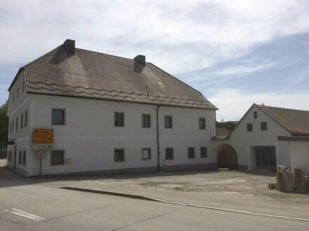 Breitenberg - Denkmalgerecht sanierter Vierseithof, ehem. Ökonomie-Pfarrhof