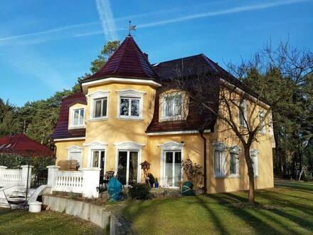 Storkow Mark - Wassergrundstück , Wohnen in seiner schönsten Form - Terrasse - 6 Zimmer - Garten