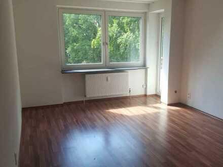Langen (Hessen) - Exklusive, vollständig renovierte 3-Zimmer-Wohnung mit Balkon und EBK in Langen (Hessen)