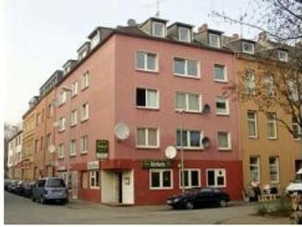 Duisburg - MFH mit 8 WE, 2 Gewerbeeinheiten, Sanierungsbedürftig