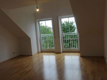 Burghausen - Gepflegte Zwei-Zimmerwohnung mit großer Dachterrasse in Burghausen