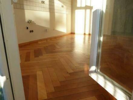 Mühlhausen (Thüringen) - Gemütliche Altbau-2-Raum-Wohnung in bevorzugter Wohnlage