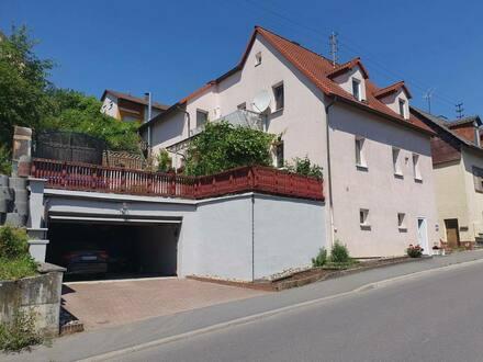 Osterburken - Großes 5-Zimmer-Einfamilienhaus mit Doppelgarage in Osterburken.