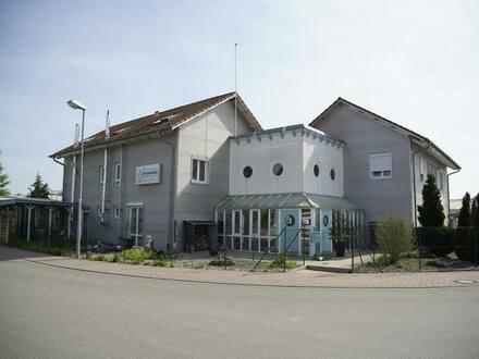 Gottenheim - Arbeiten (ca. 190 m²) und großzügiges Wohnen (276 m²) mit vielen Möglichkeiten perfekt vereint