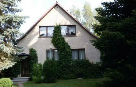 Vogelsdorf - Schönes Einfamilienhaus mit Wohnkeller, Bungalow, Pool, Garage