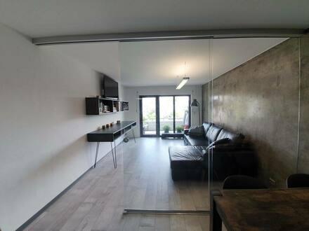 Konstanz - Komfortable, renovierte 2-Zimmer-Wohnung mit Balkon und Einbauküche in Konstanz