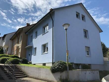 Lahr - Gepflegtes und modernisiertes Mehrfamilienhaus mit 6 Wohnungen und 3 Garagen in Lahr zu verkaufen.