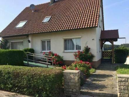 Gschwend - Gemütliches freistehendes Einfamilienhaus mit Doppelgarage