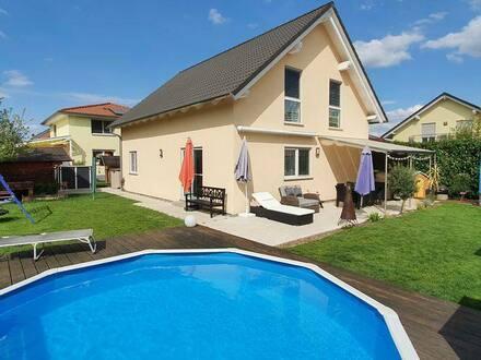 Kenzingen - Traumhaftes Niedrigenergiehaus, freistehend und ruhig gelegen, mit Garten und Pool zum Entspannen