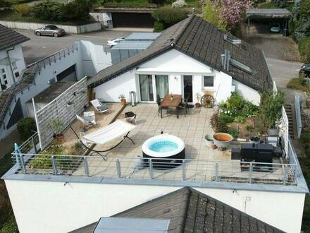 Lörrach - Panorama-Wohnung mit Haus-Feeling, 5-Zimmer am Tüllinger Berg - ohne Provision!