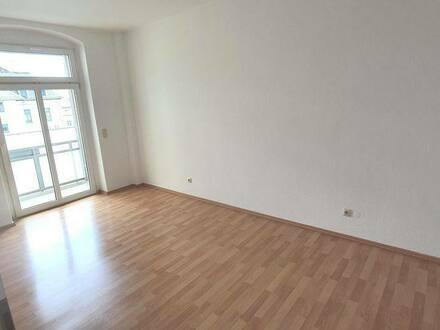 Dresden - Für Kapitalanleger oder Eigennutzer. Helle Gepflegte 2-Raum-Wohnung mit Balkon in Dresden