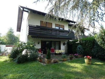 Sinzheim - Großzügige Doppelhaushälfte für Familie in Sinzheim mit ELW