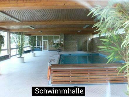 Augsburg - Stilvolle, modernisierte 3,5-Zimmer-Wohnung mit Schwimmhalle und 2 Balkone in GöggingenAugsburg