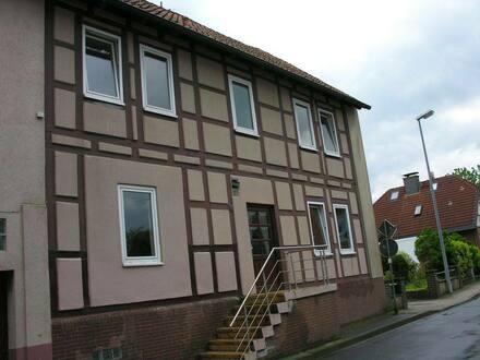 Giesen - Günstige 6-Zimmer-Wohnung zum Kauf nahe Saarstedt