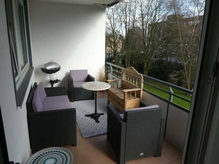 Düsseldorf - Exklusive, lichtdurchflutete 4-Zimmer-Wohnung mit Balkonen in Düsseldorf