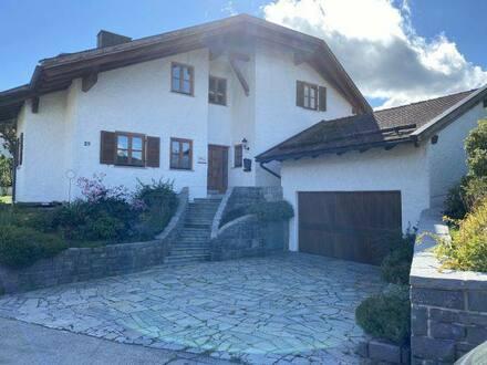 Hauzenberg - großzügiges Einfamilienhaus, zentrale & ruhige Lage auf sonnigem Grundstück (Privatverkauf)
