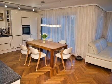 München - Neuwertige 5-Zimmer-EG-Wohnung mit dem Garten und Einbauküche in Haidhausen, München