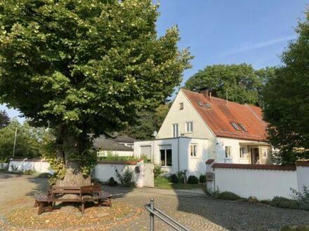 Asbach-Bäumenheim - Kapitalanlage - Bauernhaus + Kuhstall