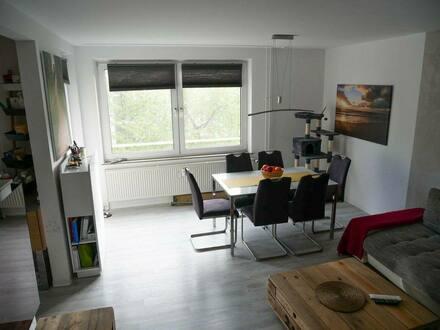 Schwalbach a. Taunus - Sanierte und modernisierte, helle 3-Zimmer-Wohnung von Privat