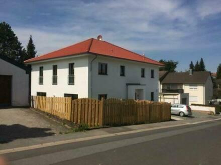 Weiden (Oberpfalz) - Renditestarkes 2-Familienhaus für Kapitalanleger oder zum Einzug