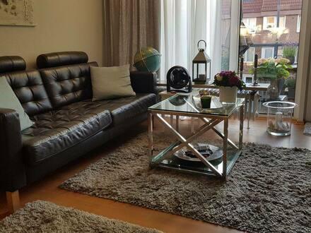 Wedel - Gepflegte 2-Zimmer-Wohnung mit Balkon und Einbauküche in Wedel