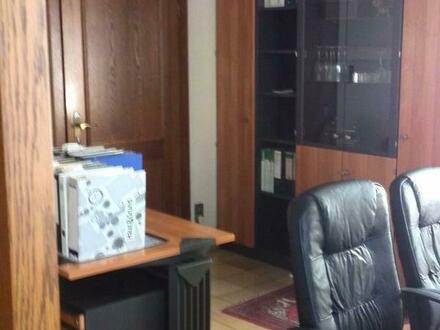 Büro langfristig zu vermieten, repräsentativ, hell und ruhig