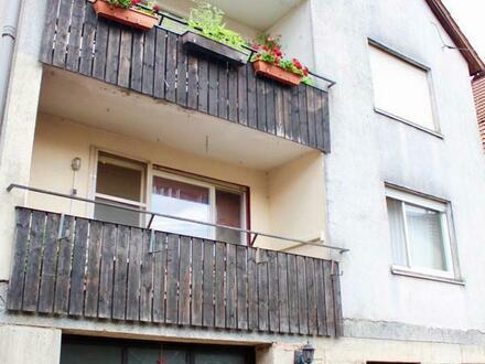 Mehrfamilienhaus (renovierungsbedürftig) mit Scheune auf dem Dorf zu verkaufen