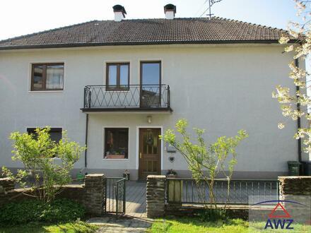 Schönes, großzügiges Ein-/Zweifamilienhaus mit viel Potential und sonnigem Garten!