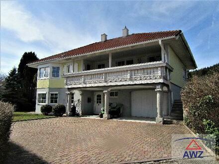 Schönes Familienhaus mit Pool, sonnigem Garten und großer, überdachter Terrasse in guter Lage!