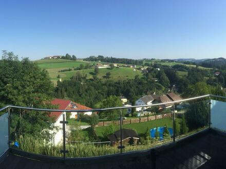 Große Eigentumswohnung mit traumhaften Ausblick im Herzen von Gramastetten!