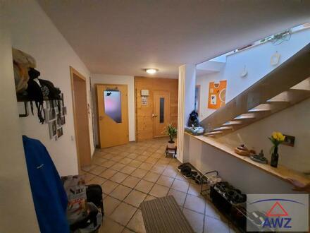 Attraktives 2-3 Familienhaus auf ca. 713 m² Grundfläche!