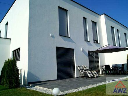 Neuwertige, schöne Doppelhaushälfte zum Top-Preis!