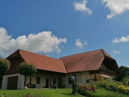 Wundervolles Haus mit Panoramablick und mehr als 1350 m² Grund !