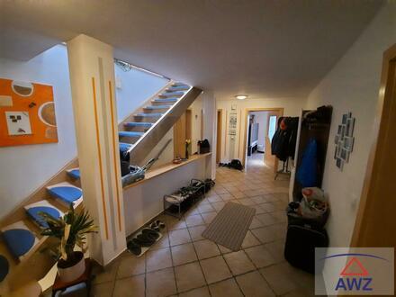 Tolles Wohnhaus für 2 Familien mit ca. 713 m² Grundfläche!