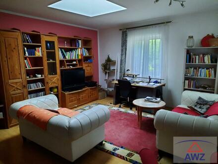 Entzückende 4-Zimmerwohnung im Stil eines Hauses + Garten/Terrasse!