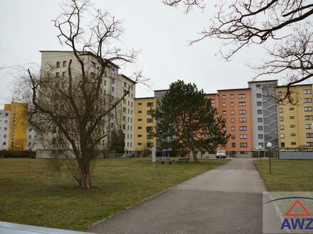 Große 4 Zimmerwohnung in schöner Wohnhausanlage, mit Lift und Tiefgarage !