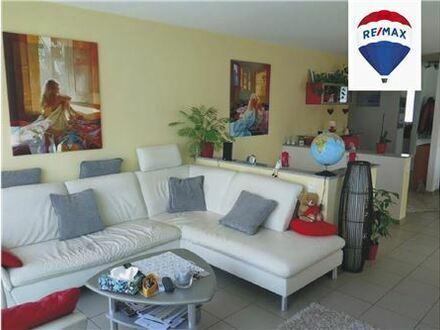 REMAX - Bestens ausgestattete Erdgeschoss-Maisonette Wohnung